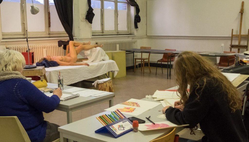 image d'étudiants de l'atelier au travail
